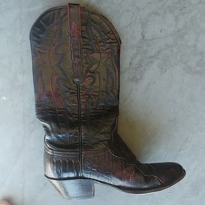 lucchese women s boots